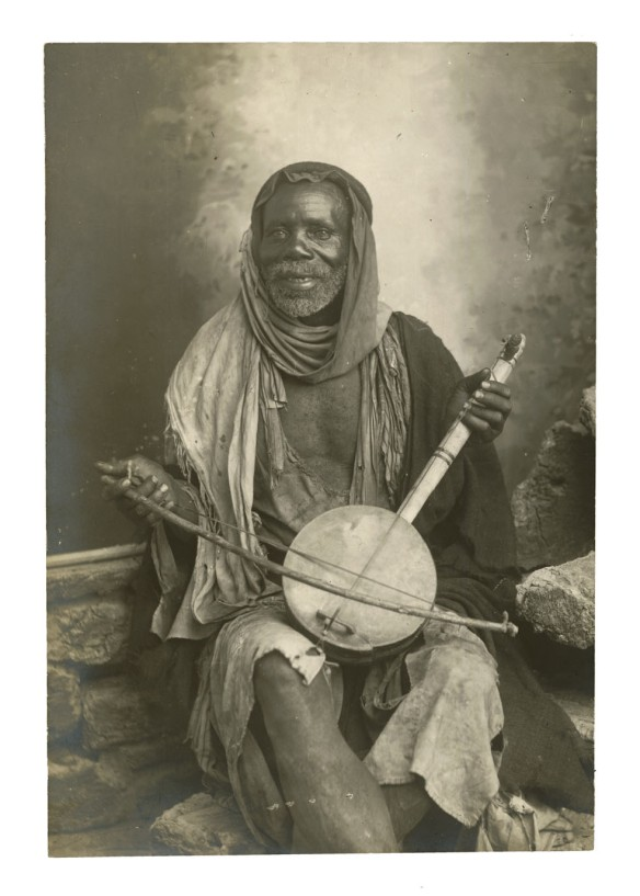 Arab Musician Tripoli Libia Photographer unknown 11,5x17cm Found in Nieuwegein